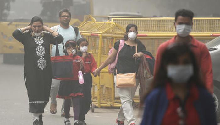 दिल्ली में धुंध : सरकार ने आपात कदमों की घोषणा की; 3 दिनों तक बंद रहेंगे स्कूल, कृत्रिम बारिश पर भी विचार