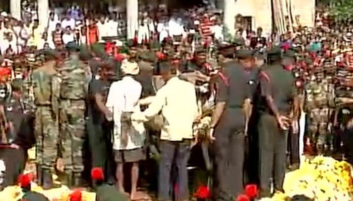 कोल्हापुर में शहीद राजेंद्र का अंतिम संस्कार, हजारों लोगों ने दी अंतिम विदाई, 9 साल के बेटे ने दी मुखाग्नि