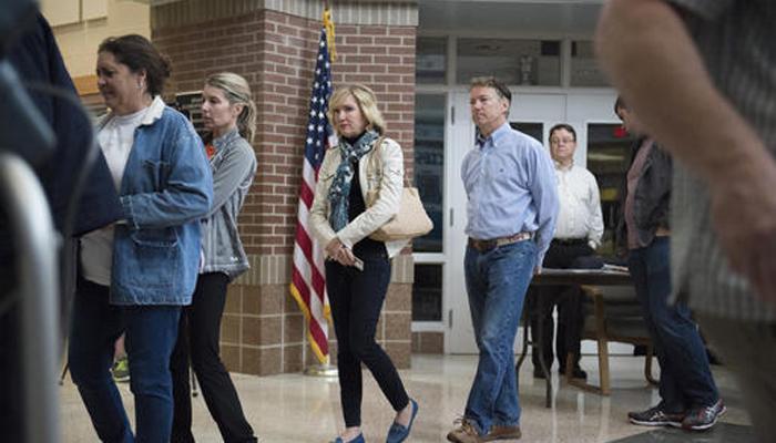 अमेरिकी राष्ट्रपति चुनाव 2016 : 45वां राष्ट्रपति चुनने के लिए मतदान जारी