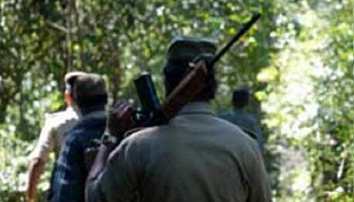 झारखंड: लातेहार में सीआरपीएफ कमांडो ने 6 नक्सलियों को मार गिराया