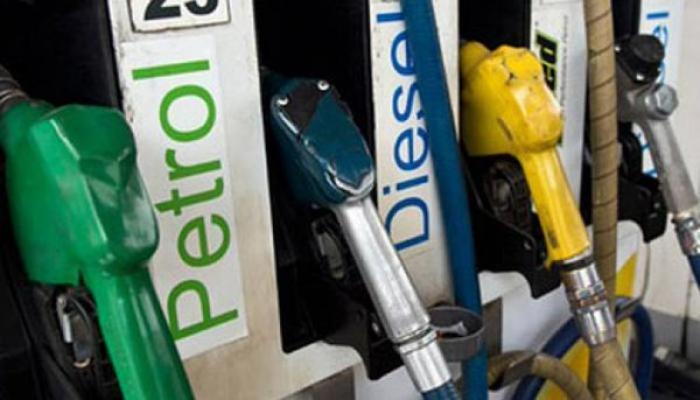 पेट्रोल 13 पैसे प्रति लीटर महंगा, डीजल 12 पैसे प्रति लीटर सस्ता