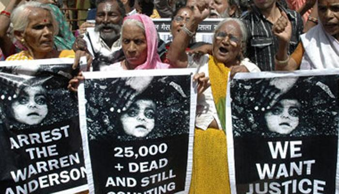 भोपाल गैस कांड की 32वीं बरसी : पीड़ितों ने निकाली रैली