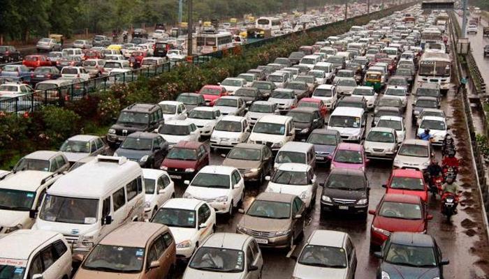 देश में हर साल बिक जाती हैं 25 लाख कारें!