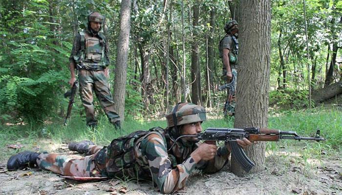 कश्मीर में सुरक्षा बलों के साथ मुठभेड़ में आतंकी ढेर