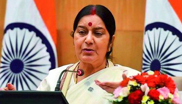 सउदी में फंसे भारतीय पर सुषमा स्वराज की नजर, दूतावास को कहा- सूचित कराते रहें
