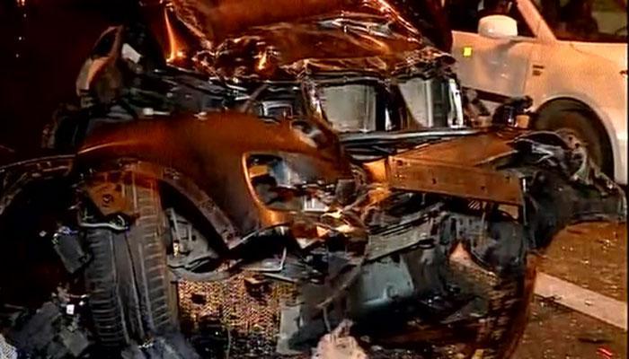 दिल्ली में एक तेज रफ्तार BMW ने मारी वैगन आर को टक्कर, एक की मौत