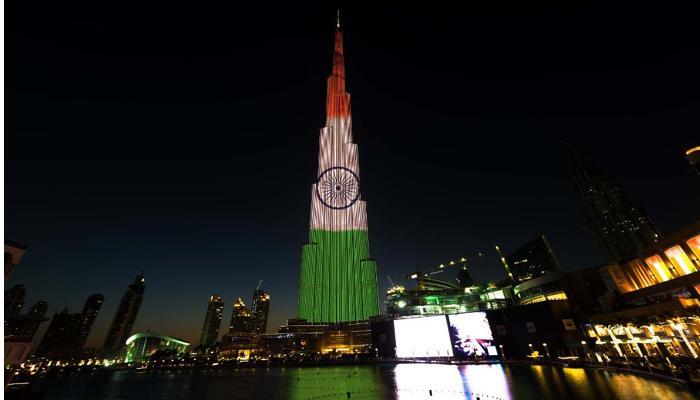 गणतंत्र दिवस पर तिरंगे प्रकाश में जगमगाया दुनिया की सबसे ऊंची इमारत बुर्ज खलीफा