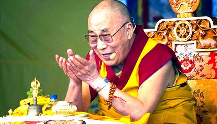 हमें दुनिया को सैन्य मुक्त कर उसे 'विश्व संघ' बनाना चाहिए :दलाई लामा