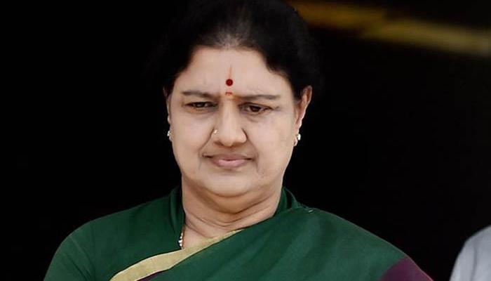 तमिलनाडु राजनीतिक संकट: शशिकला को सीएम पद की शपथ लेने से रोकने संबंधी याचिका पर सुप्रीम कोर्ट में सुनवाई आज