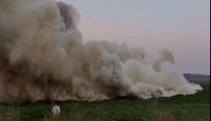 बेंगलूरू की बेल्लानदुर झील में भड़की आग और उठा धुएं का गुबार! देखें VIDEO
