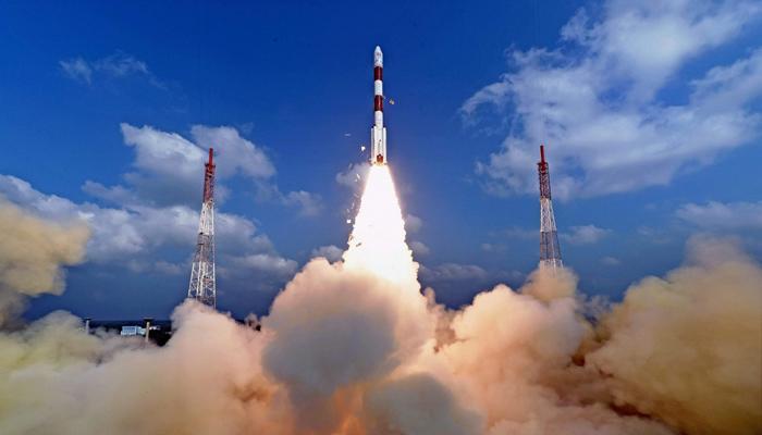 इसरो का मुरीद हुआ चीन, कहा- उपग्रह भेजने में भारत ने चीन से बेहतर काम किया है