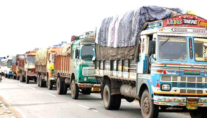 सरकारी ट्रकों के लिए ई-टोल टैग अनिवार्य होगा : गडकरी