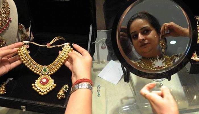 सोने में तेजी, चांदी में गिरावट, सोना अब 30150 रुपये प्रति 10 ग्राम