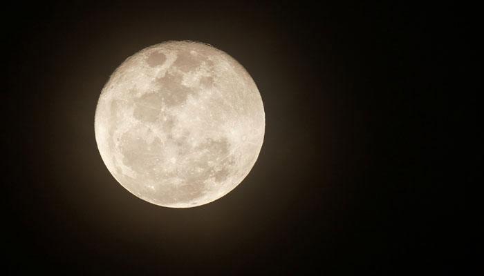 वर्ष 2018 में दो पर्यटकों को चांद के पास भेजेगा स्पेसएक्स