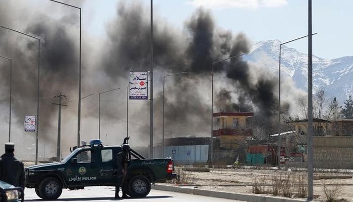 काबुल में सुरक्षा इमारतों पर तालिबानी हमले, कुछ लोग हताहत