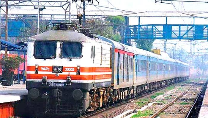 होली के मौके पर रेलवे चलाएगा स्पेशल रेलगाड़ियां