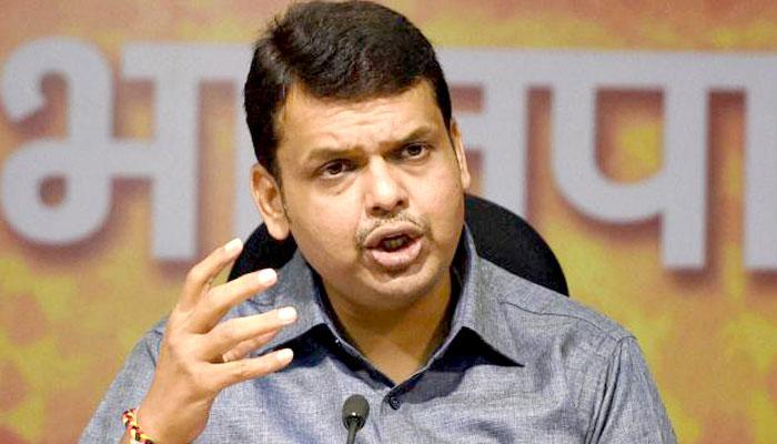 महाराष्ट्र के मुख्यमंत्री देवेंद्र फड़नवीस ने रक्षा मंत्री बनने की खबरों को किया खारिज