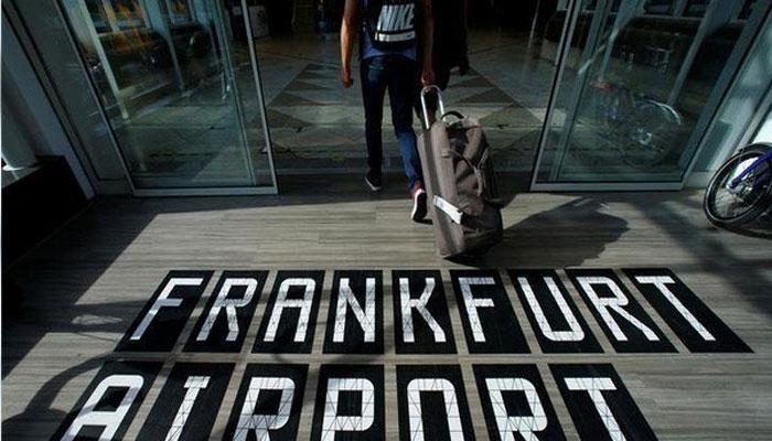 फ्रैंकफर्ट हवाईअड्डे पर भारतीय महिला से कपड़े उतारने को कहा, सुषमा ने मांगी रिपोर्ट