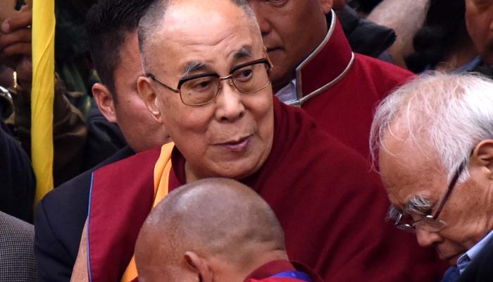 चीन की आपत्ति दरकिनार कर तवांग पहुंचे दलाई लामा, धार्मिक कार्यक्रमों में लेंगे हिस्सा