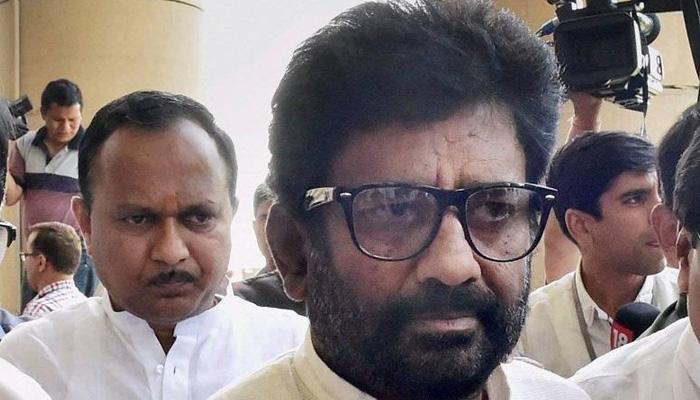 शिवसेना सांसद रवींद्र गायकवाड़ से प्रतिबंध हटाने से सभी एयरलाइंस नाराज