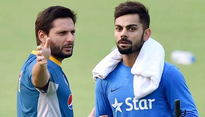 विराट कोहली एंड टीम ने पाकिस्तानी खिलाड़ी शाहिद अफीरीदी को दिया फेयरवेल गिफ्ट