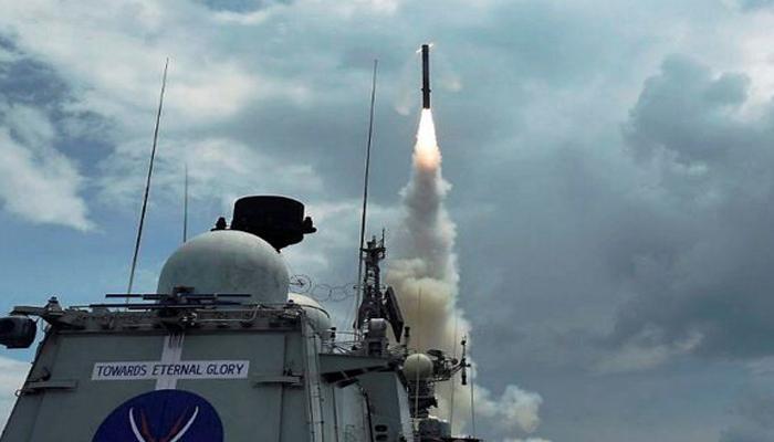 द्वीप हो या समंदर, दुश्मनों को बर्बाद करने की ताकत रखती है भारतीय नौसेना का यह ब्रह्मोस सुपरसोनिक क्रूज मिसाइल