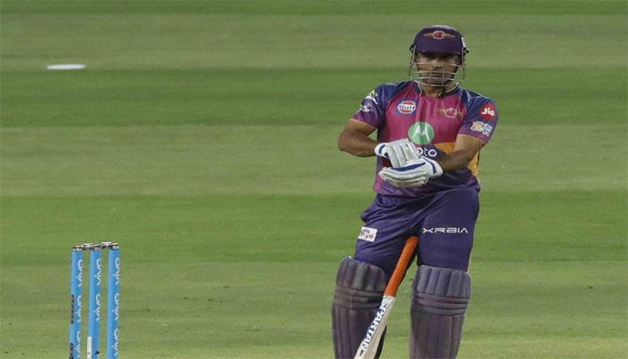 IPL-10 : 11 महीने बाद अपने रंग में दिखे धोनी, कोहली-सहवाग ने ऐसे किया 'सलाम'