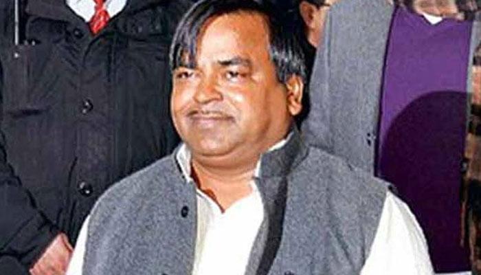 यूपी: बलात्कार के आरोपी पूर्व मंत्री गायत्री प्रजापति को मिली जमानत