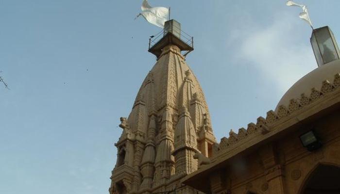 पाकिस्तान के हिंदू मंदिर में तोड़-फोड़, तीन लोगों पर ईशनिंदा और आतंकवाद का मामला दर्ज