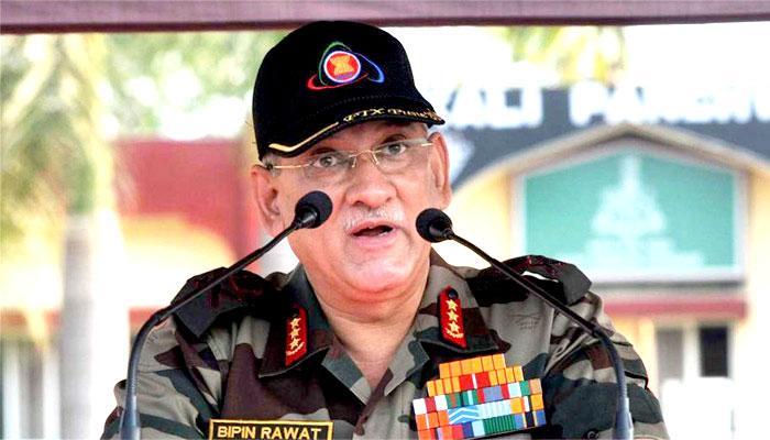 दो भारतीय सैनिकों से बर्बरता के बाद आर्मी चीफ बिपिन रावत पहुंचे कश्मीर