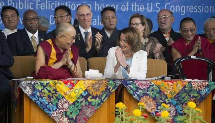 दलाई लामा से पिलोसी ने कहा- तिब्बत के मामले पर अमेरिका प्रतिबद्ध, चीन ने तरेरी आंखें