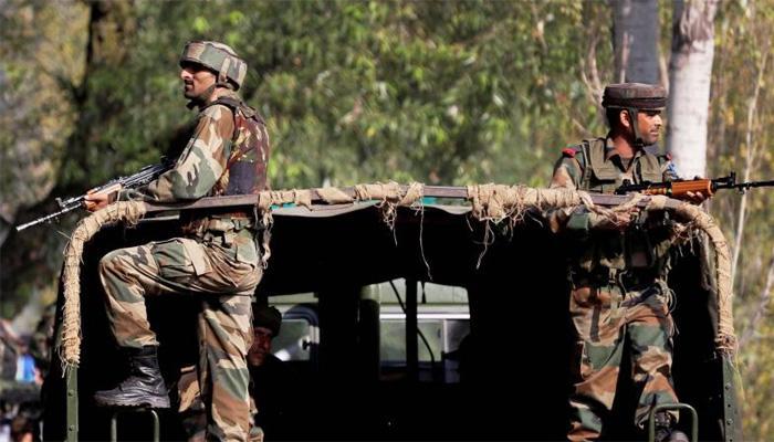 जम्मू-कश्मीर: लश्कर के दो आतंकी मुठभेड़ में ढेर, सेना का सर्च ऑपरेशन जारी