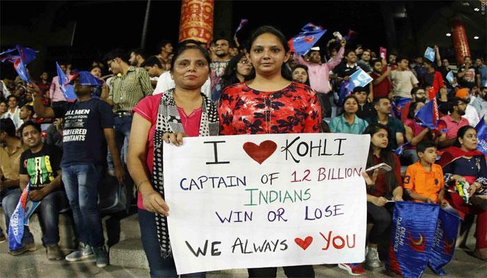 VIDEO : दिल्ली से मैच जीतने के बाद विराट की इस 'प्यारी हरकत' ने जीता हजारों का दिल