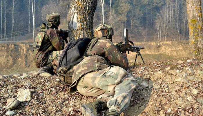 कश्मीरः कुपवाड़ा के नौगाम सेक्टर में आतंकियों से मुठभेड़ में दो जवान शहीद, दो आतंकी ढेर