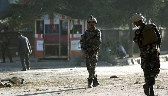 अफ़ग़ानिस्तान: कंधार में सेना के शिविर पर तालिबानी हमला, 15 से 20 सैनिकों की मौत