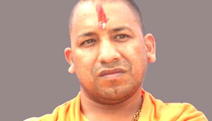 यूपी के मुख्यमंत्री योगी आदित्यनाथ ने किए बाबा कालभैरव और काशी विश्वनाथ मंदिर के दर्शन