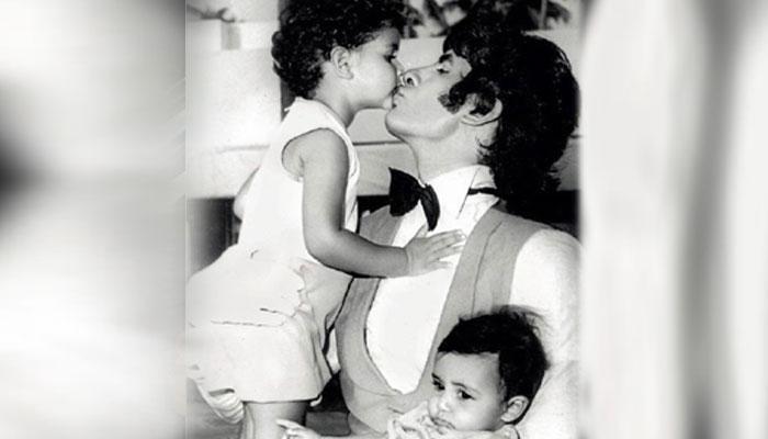 40 साल पुरानी है यह तस्वीर, श्वेता और अभिषेक के साथ नजर आ रहे हैं अमिताभ बच्चन