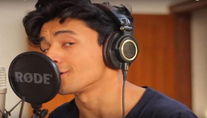 VIDEO : एक-दो नहीं, पूरे 30 गायकों की आवाज में गाता है ये लड़का, सुनकर आप भी कहेंगे क्या बात...