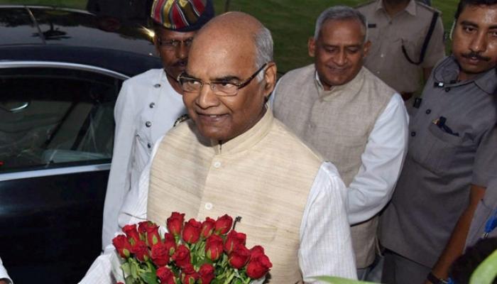 एनडीए के राष्ट्रपति पद के उम्मीदवार रामनाथ कोविंद को समर्थन दें या न दें इस पर शिवसेना करेगी बैठक