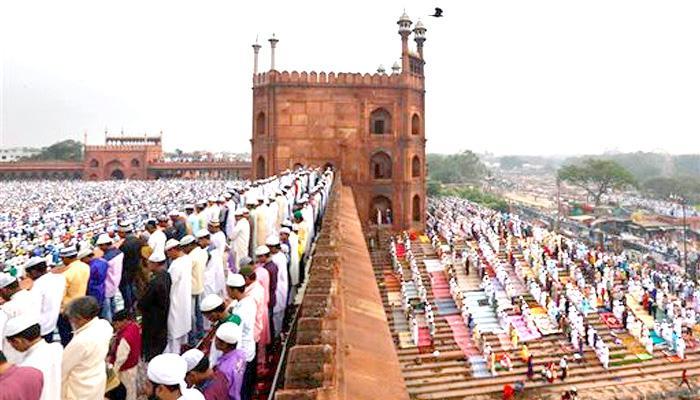 चांद आया नजर, आज धूमधाम से मनाई जाएगी ईद