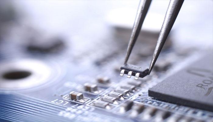 केरल सरकार का 'इंडिया इलेक्ट्रॉनिक्स एंड सेमीकंडक्टर एसोसिएशन' के साथ समझौता
