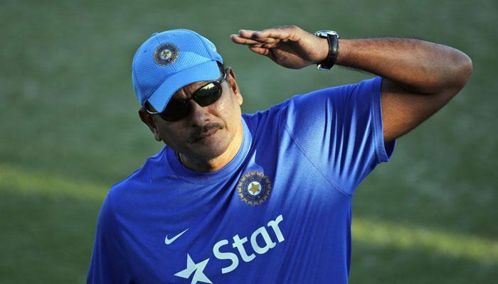 टीम इंडिया के कोच के लिए 10 लोगों ने किया अप्लाई, दौड़ में सबसे आगे हैं रवि शास्त्री