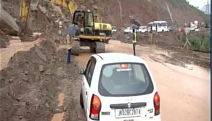 बारिश का कहर जारी : हिमाचल, कश्मीर और नगालैंड में भूस्खलन, असम में बाढ़ से पांच और मरे