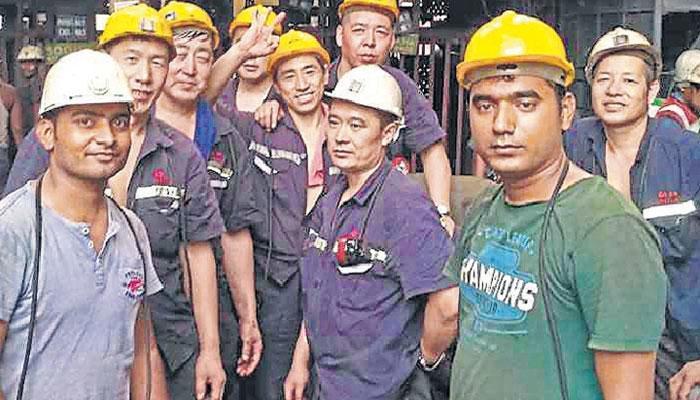 सीमा पर तकरार के बावजूद खदान में साथ काम कर रहे हिंदी-चीनी