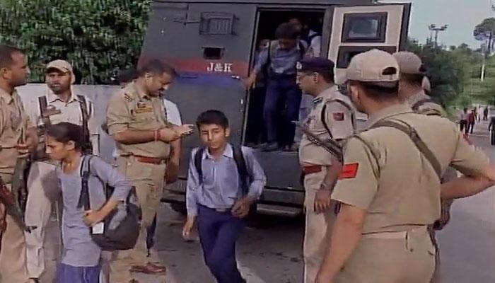 स्कूलों को निशाना बनाकर पाकिस्तान ने की गोलाबारी, 217 बच्चों को बचाया गया