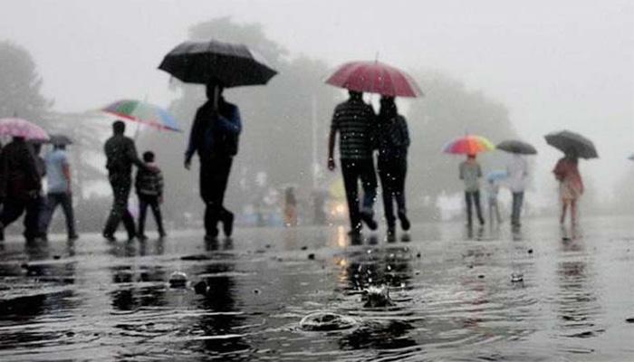 दिल्ली-एनसीआर में भारी बारिश, सड़कों पर जलभराव और ट्रैफिक जाम