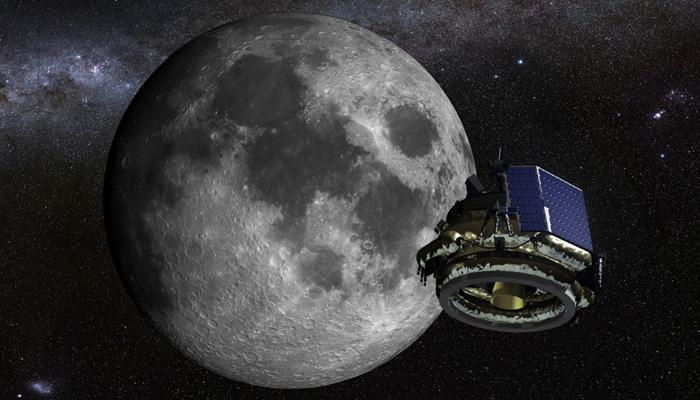 शोधकर्ताओं का दावा, चांद पर पानी की पर्याप्त मात्रा में होने के संकेत