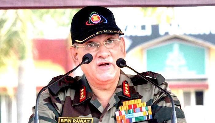 सेना प्रमुख जनरल बिपिन रावत ने किया LoC का दौरा