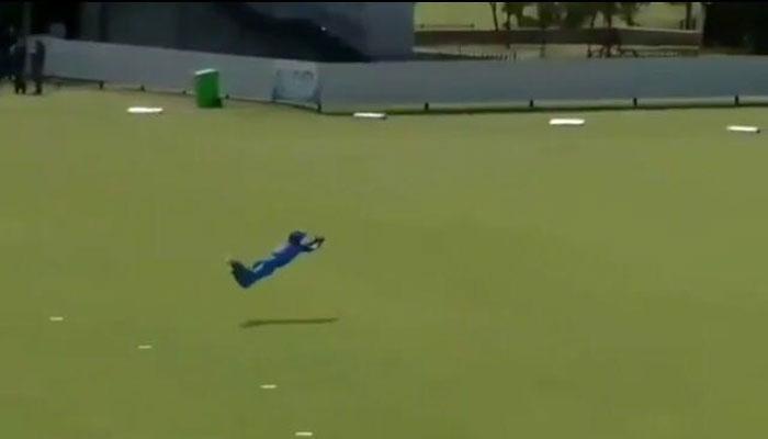 VIDEO : जॉन्टी रोड्स की सरजमीं पर टीम इंडिया के क्रिकेटर ने लपका लाजवाब कैच