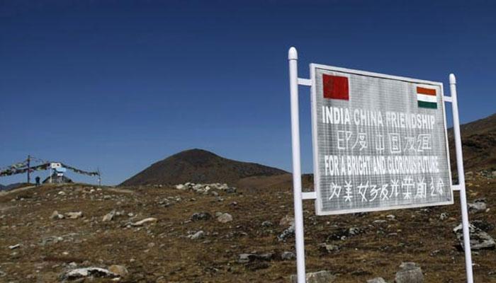 डोकलाम विवाद: चीन से नहीं डरा भारत तो नेपाल को लुभाने पहुंचा 'ड्रैगन'
